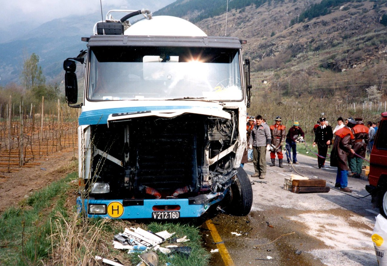 Lieferwagen gegen LKW 1992