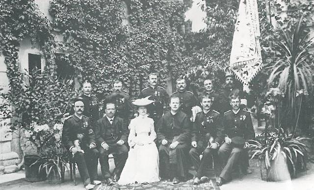 Die Kommandantschaft mit Fahnenpatin Baronin Emilie von Ferrari 1903