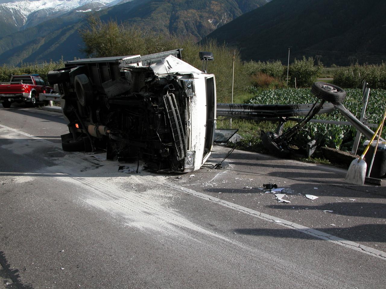 Spektakulärer Unfall Schlandraunbrücke