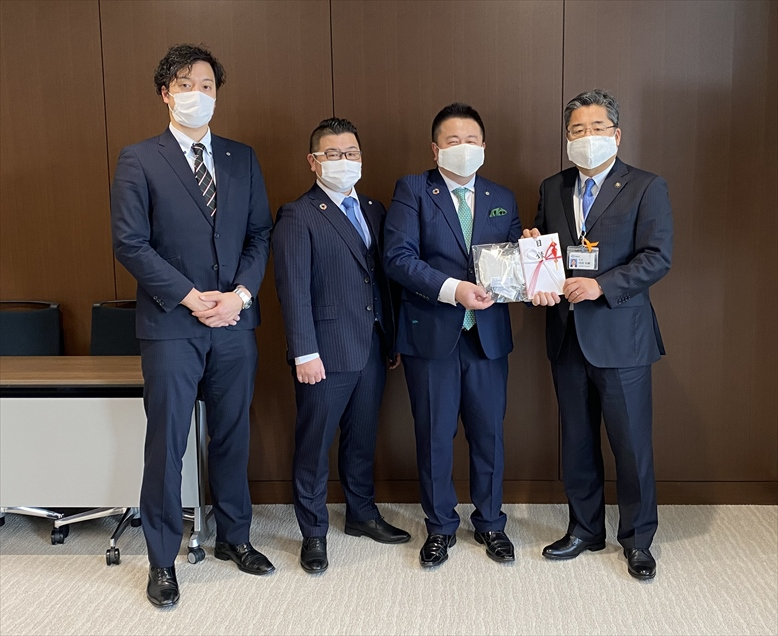 千葉県浦安市から感謝状を授与 書籍用の生地を転用した手作りマスクを5,000枚寄付