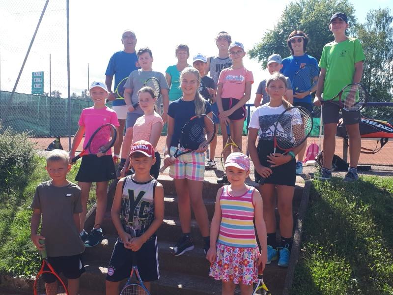 Die Mädels und Jungs hatten über die ganze Woche wieder viel Spaß am Tennissport.