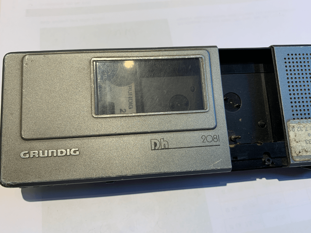Bandkassette aus Diktiergerät