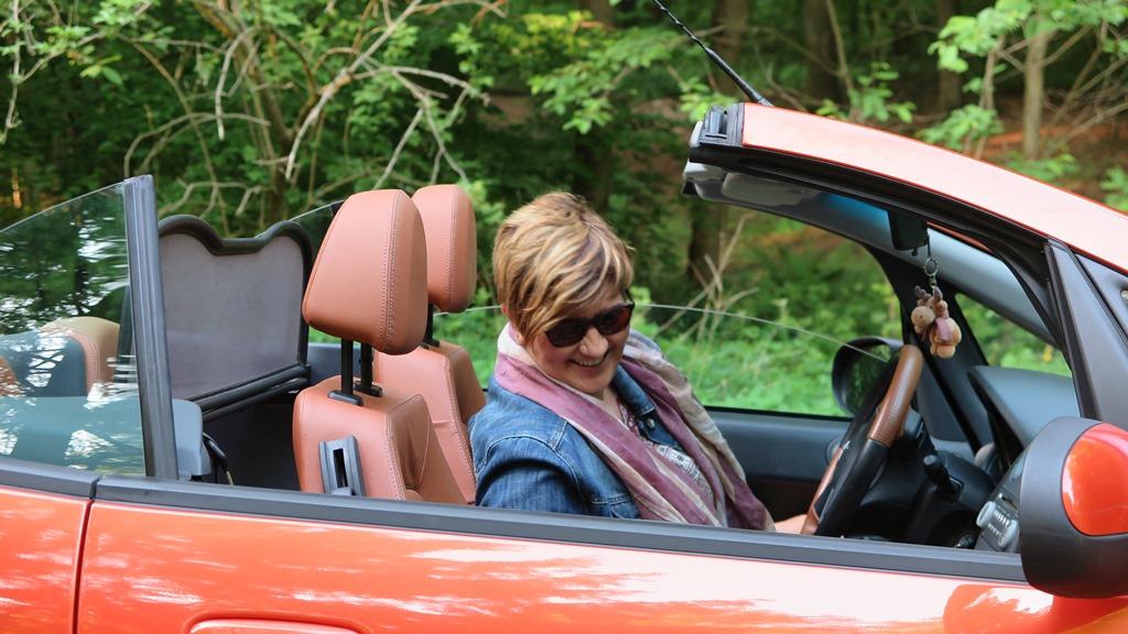 Tante Karina kommt zu Besuch mit Cabrio :-)