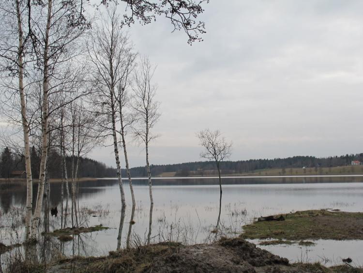 Still ruht heute der See