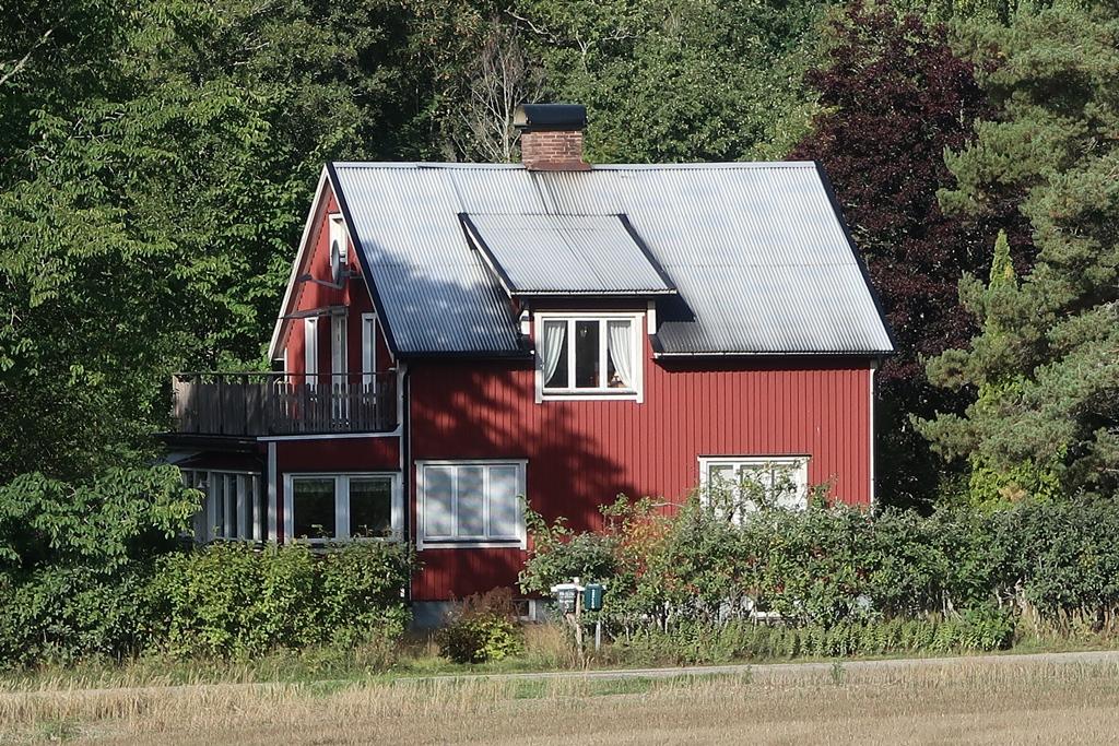 Das letzte Foto mit altem Dach - im September/Oktober bekommen wir ein neues