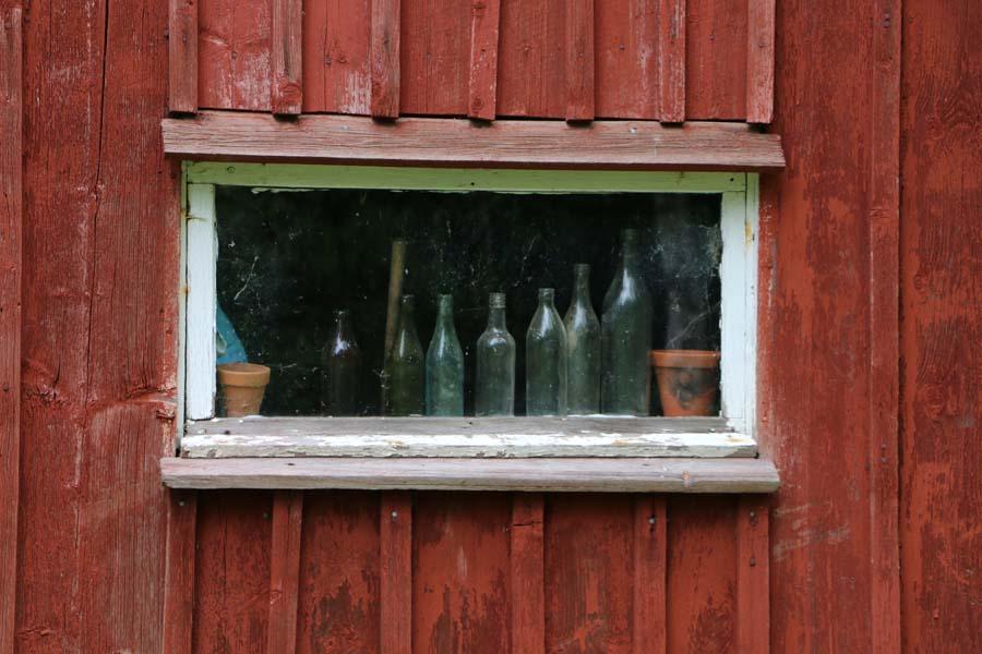 Leider sind die Flaschen hinter Glas