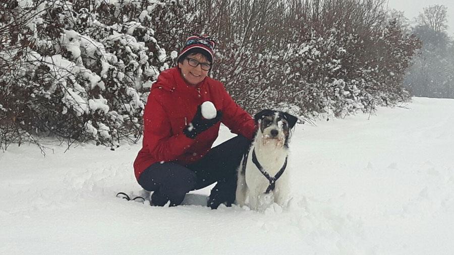 Unsere Ostereier suchen wir im Schnee :-)