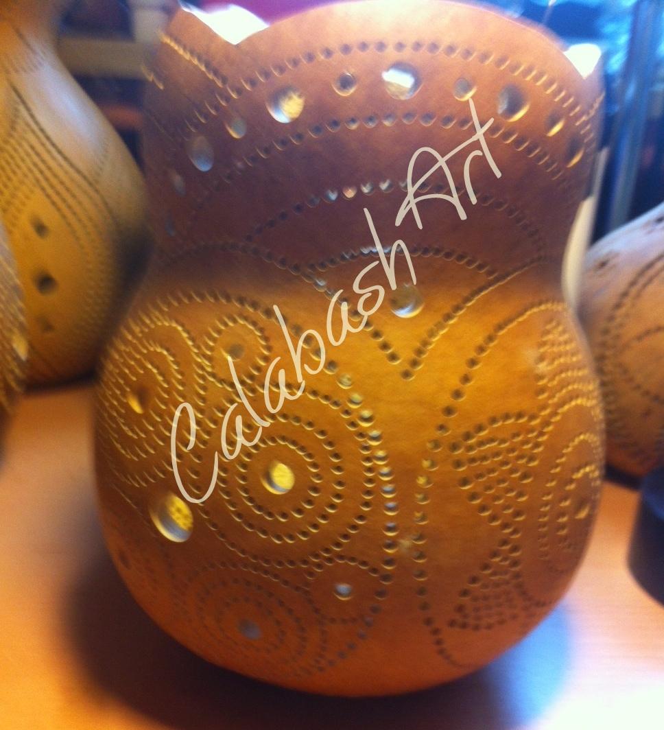 """Tischlampe, Kalebasse """"Blüten und Kreise"""" roh, CalabashArt"""