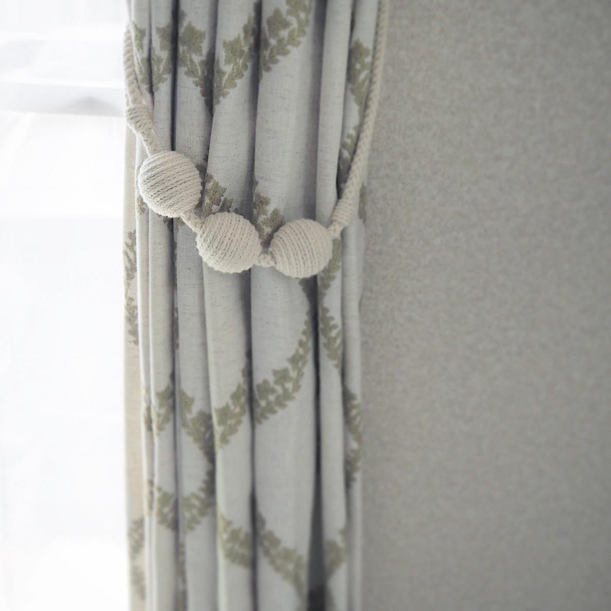 コロンとした装飾タッセル