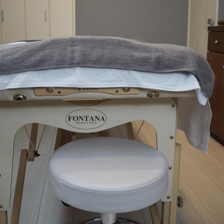 施術用のベッド、気持ちよさそう♪