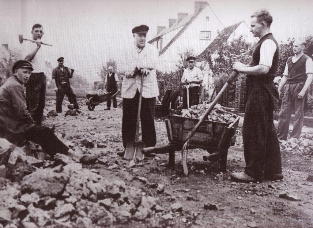 """""""Randweg"""" wird befestigt, 1938"""