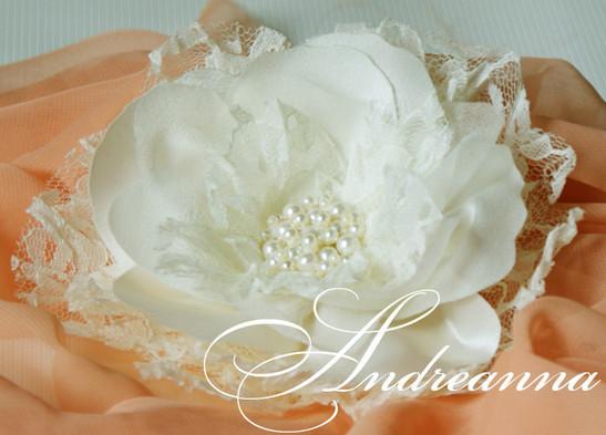 """""""Цветок айвори"""", украшение для волос (возможно дополнение вуалью), в любом желаемом цвете. стоимость цветка 400грн, с вуалью 450грн"""