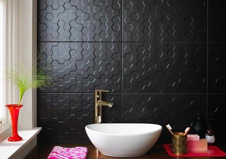 Cooles Design - die Wandverkleidung von Lumicor, Designplatten in schwarz.