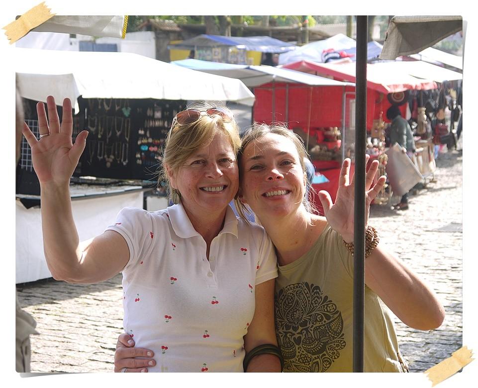 Eva und Sueli beim shoppen