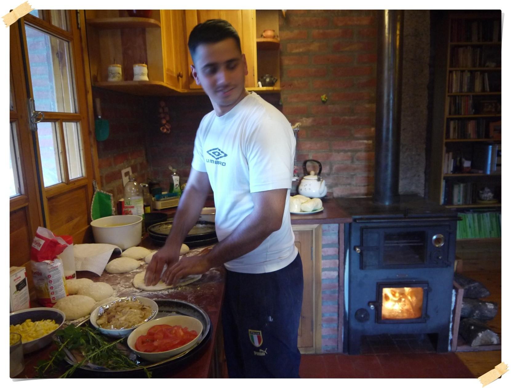 """Ivan aus Rom macht für uns """"richtige"""" Pizza"""
