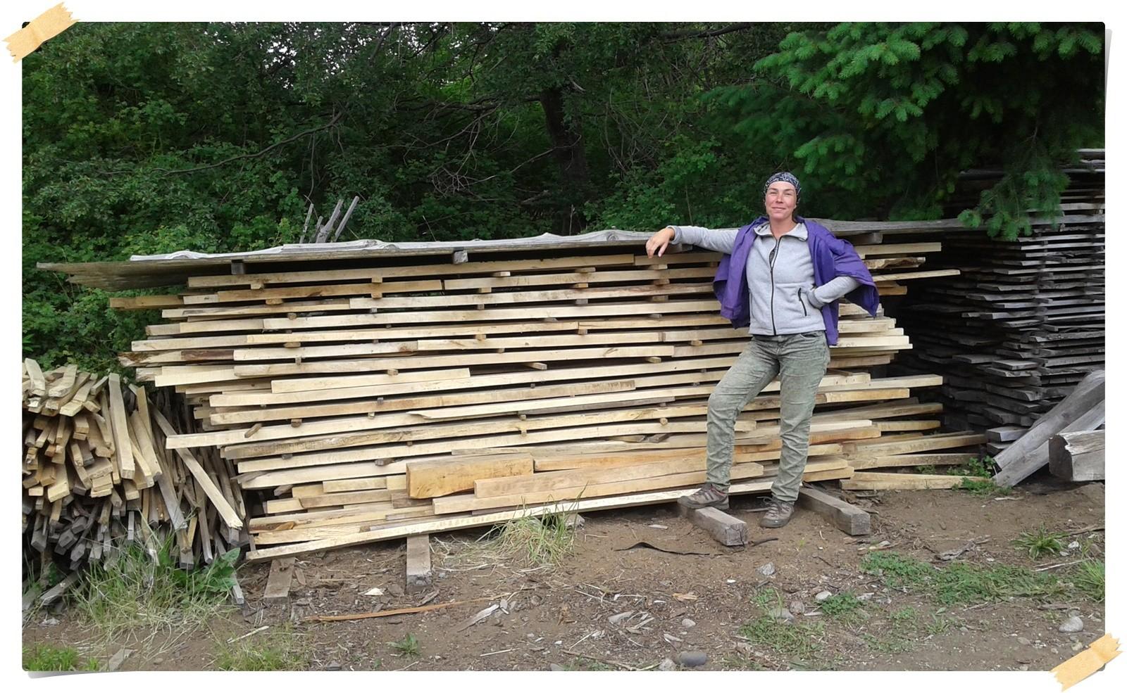 das Holz stapeln