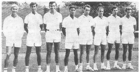 Erspielten die erste Württembergische Meisterschaft für den TC AFRISO Güglingen. Von links: Dr. Claus Meya, Fritz Gildemeister, Peter Sigwart, Uli Zinser, Horst Kammerer, Joachim Maurer, Hans Munte, Hubertus Fischer.