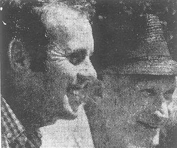 AFRISO-Macher Georg Fritz und sein Spitzenspieler Ken Fletcher erfreuen sich an hochklassigem Tennissport.