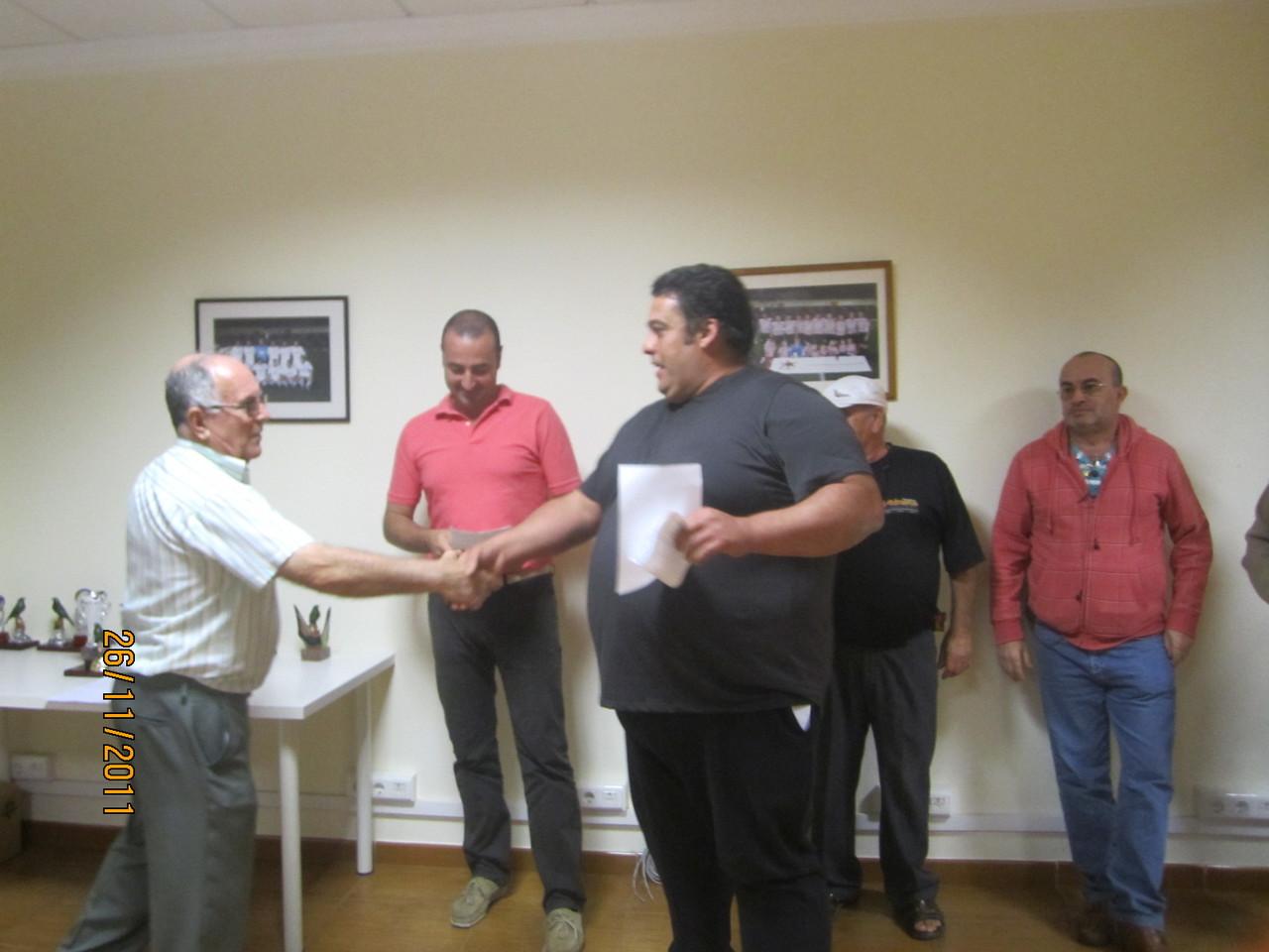 José Luis Fumero recibiendo su premio
