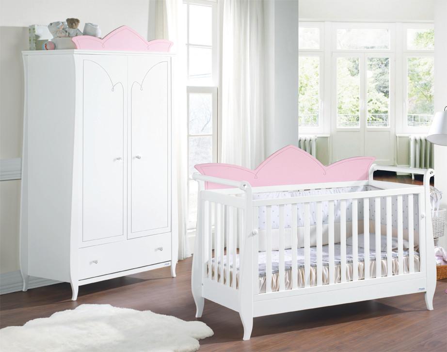 Semi ambiente blanco y rosa