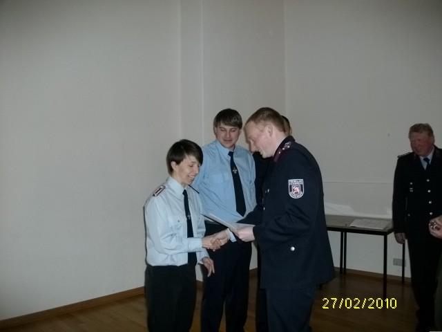 wurden zur Löschmeisterin bzw. zum Löschmeister befördert