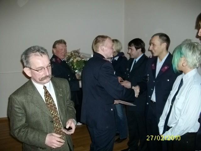 Wurden für 10 Jahre Mitgliedschaft in der FFw Behrendorf mit Anstecknadel der Stufe 1 ausgezeichnet