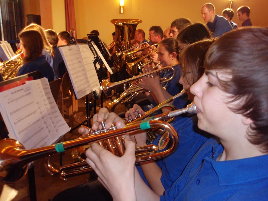 Frühjahrskonzert mit Jugendorchester 9.April 2011