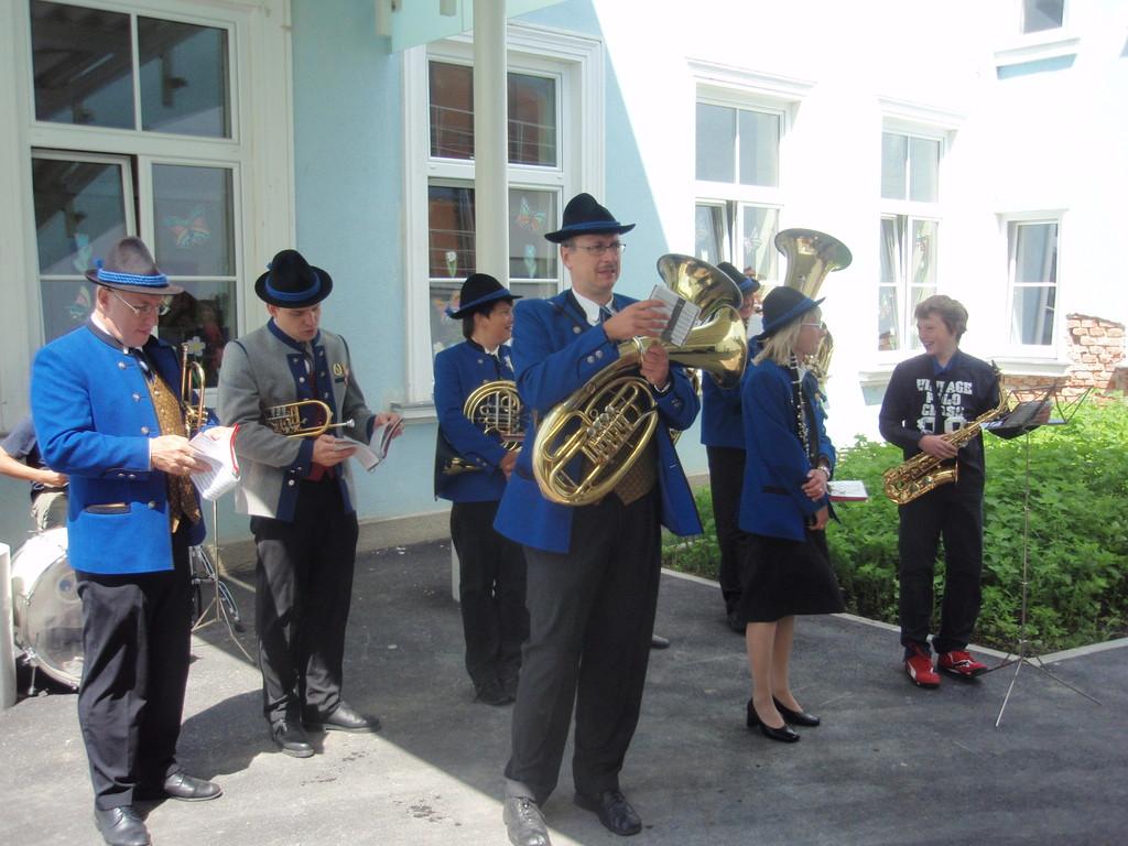 Eröffnung Volksschule am 3. Juni