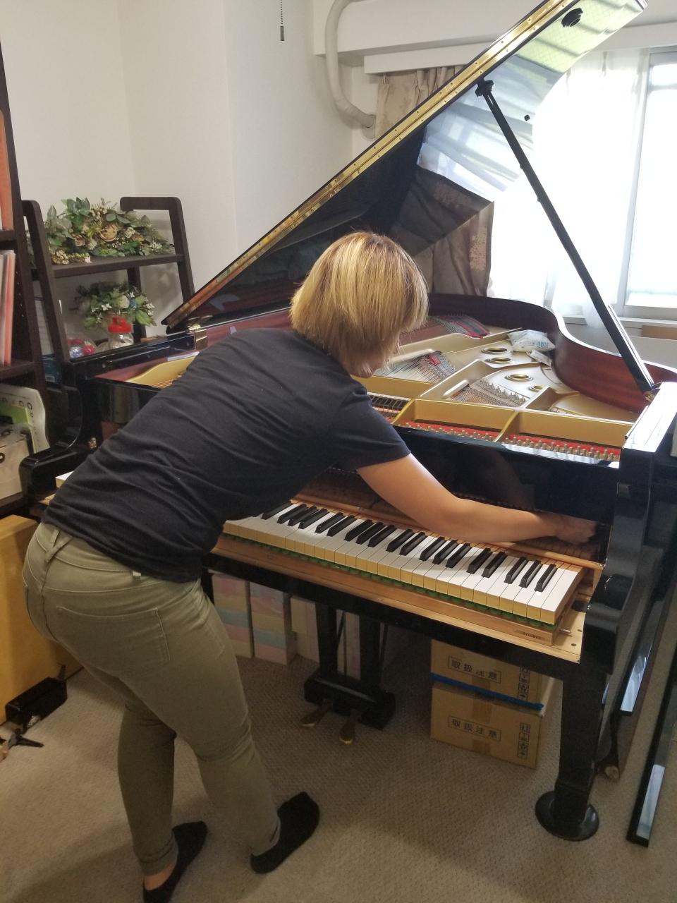 教室やご家庭のグランドピアノ