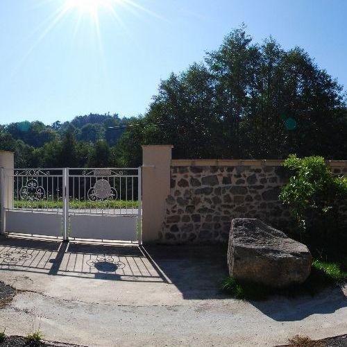 Vue entrée du gîte - côté portail