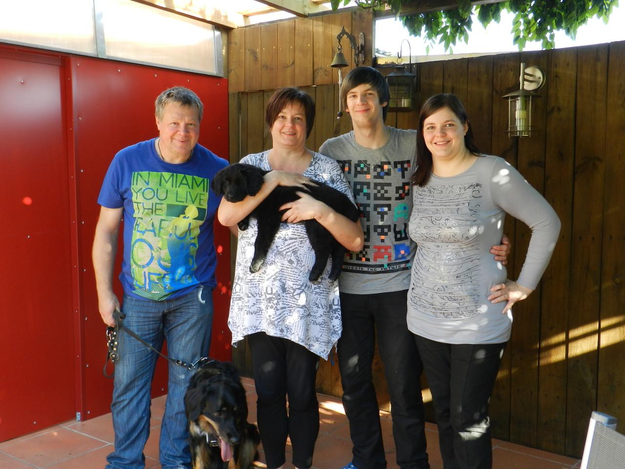Dakyra und Familie (Stefan, Ulrike, Yannick u. Ann-Katrin)