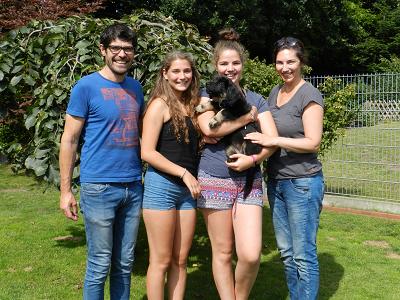 Esra (Ellie) mit Thomas, Anna, Alisa u. Nina