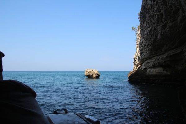 Ausfahrt aus einer Grotte - Adriaküste - Provinz Foggia