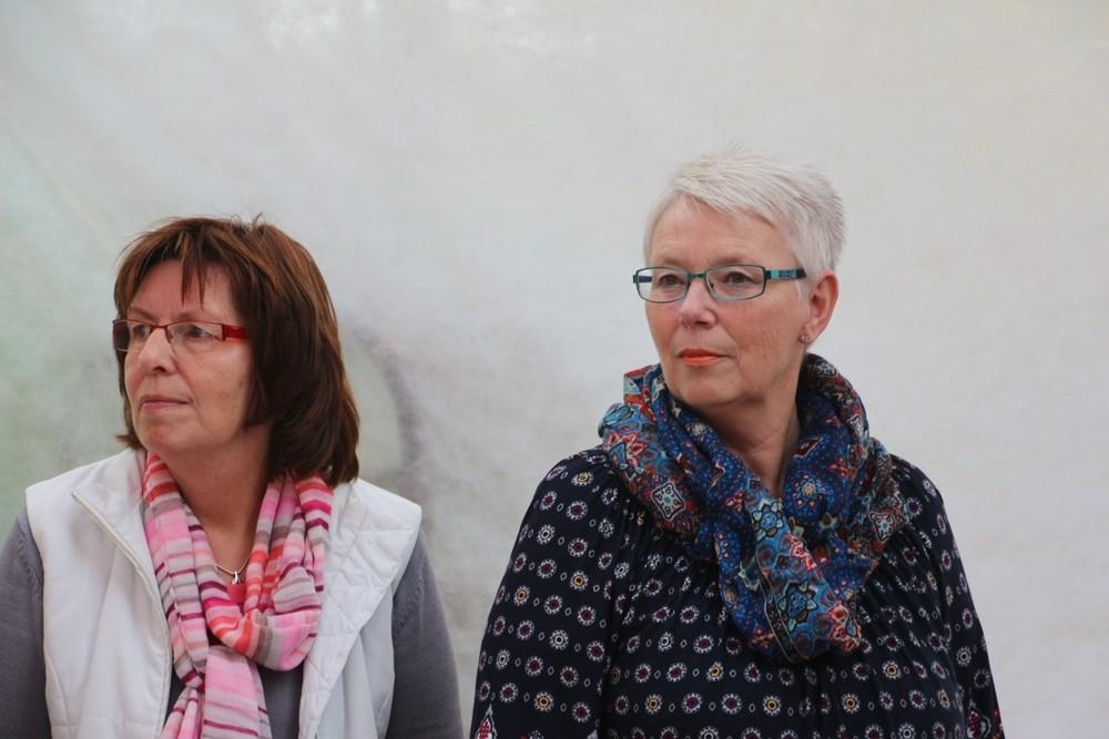 Vor der Lesung mit Elke Kruse, Vorsitzende Schul- und Kulturausschuss KR