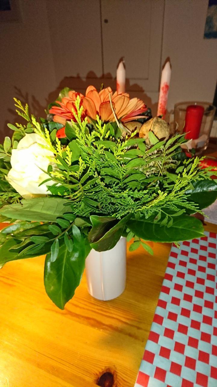 Ich bedanke mich bei Klaus-Ulrich Sembill (1. Vorsitzender) für die Einladung und den Blumenstrauß. Herzlichen Dank!