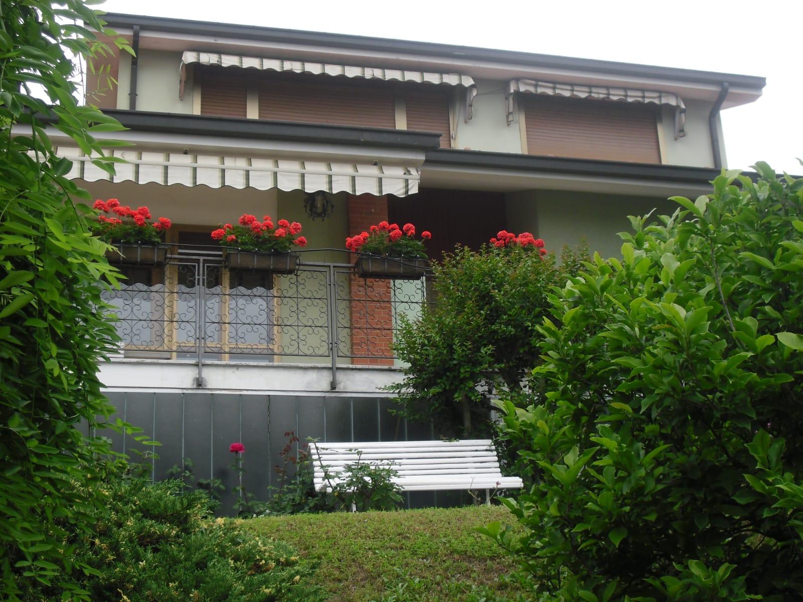 VILLA BIFAMILIARE Caselette, panoramica