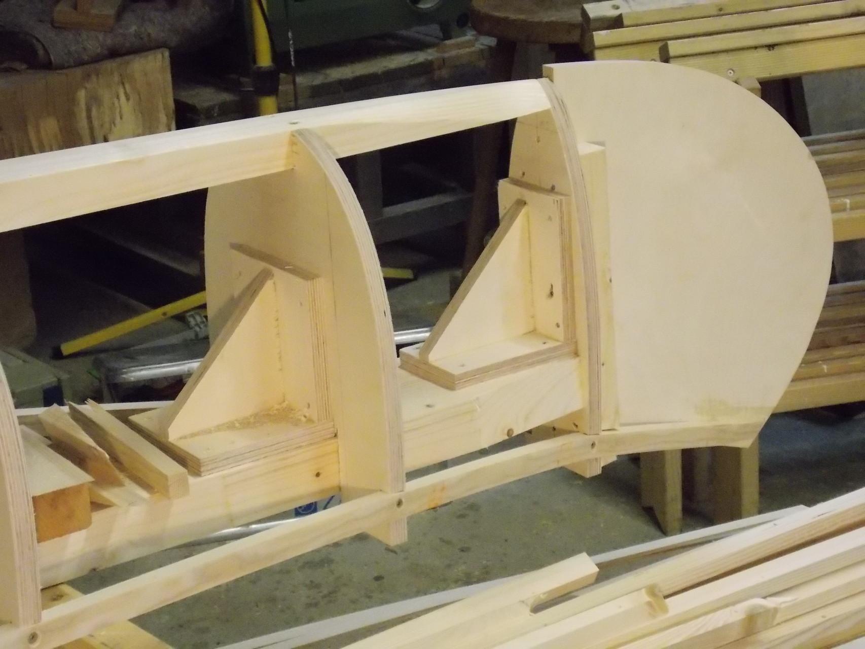 Die komplexe Bauweise und Präzision werden hier im Detail sichtbar. Sauberes Arbeiten am Anfang zahlt sich am Ende aus.