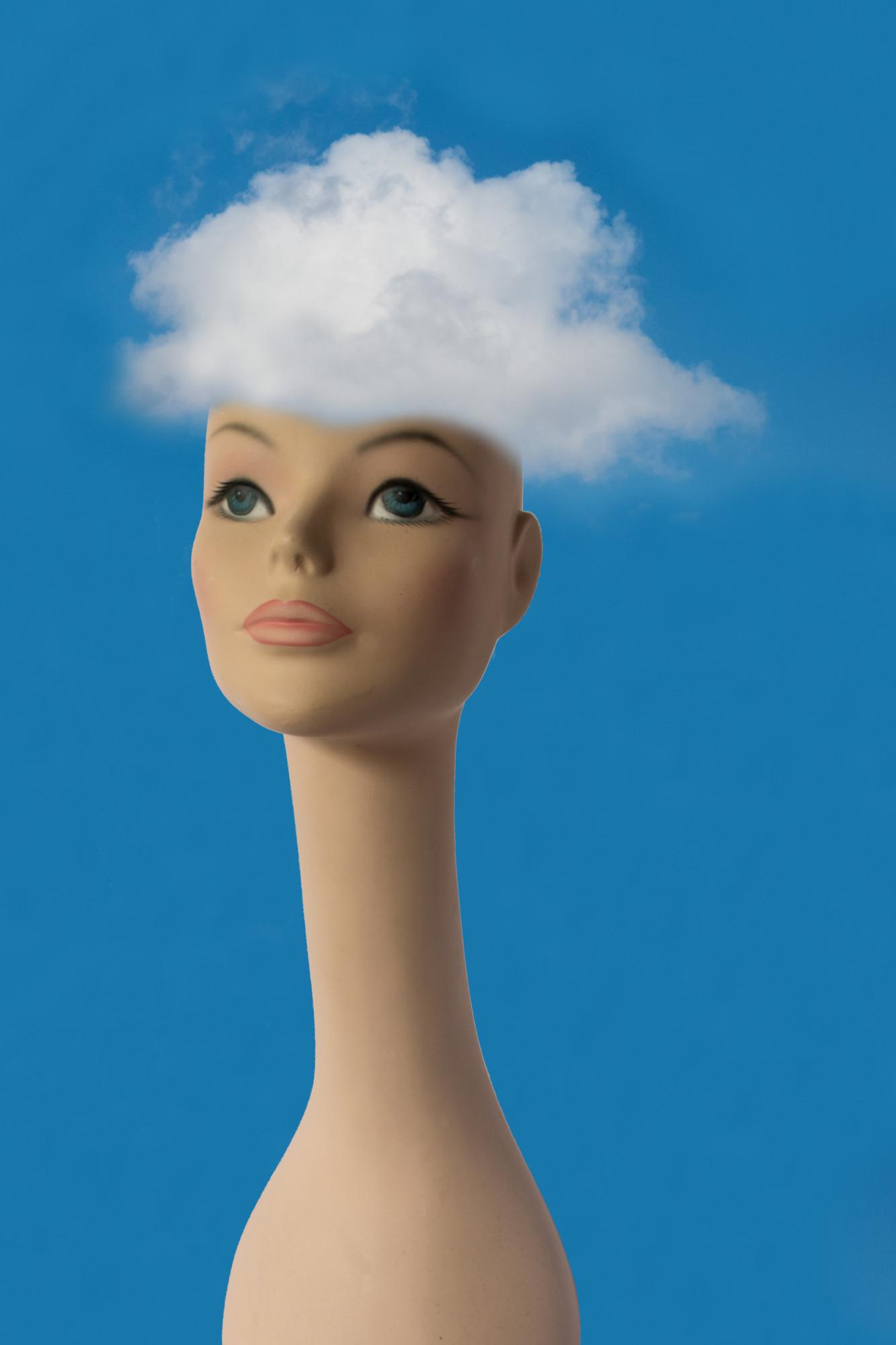 Dame mit Cloud
