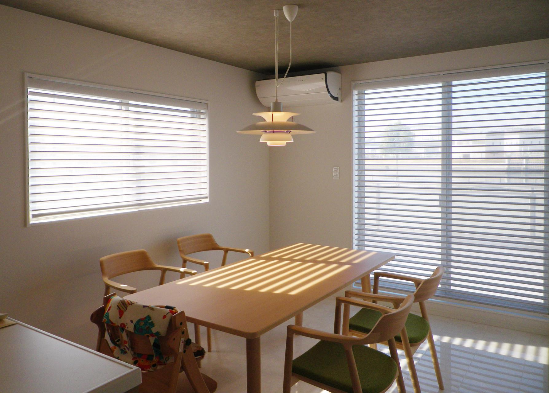 調光スクリーンは、ダイニングキッチンの窓にお薦めできる商品です。