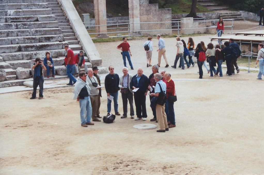 Dans le théâtre d'Epidaure réputé pour son acoustique parfaite,