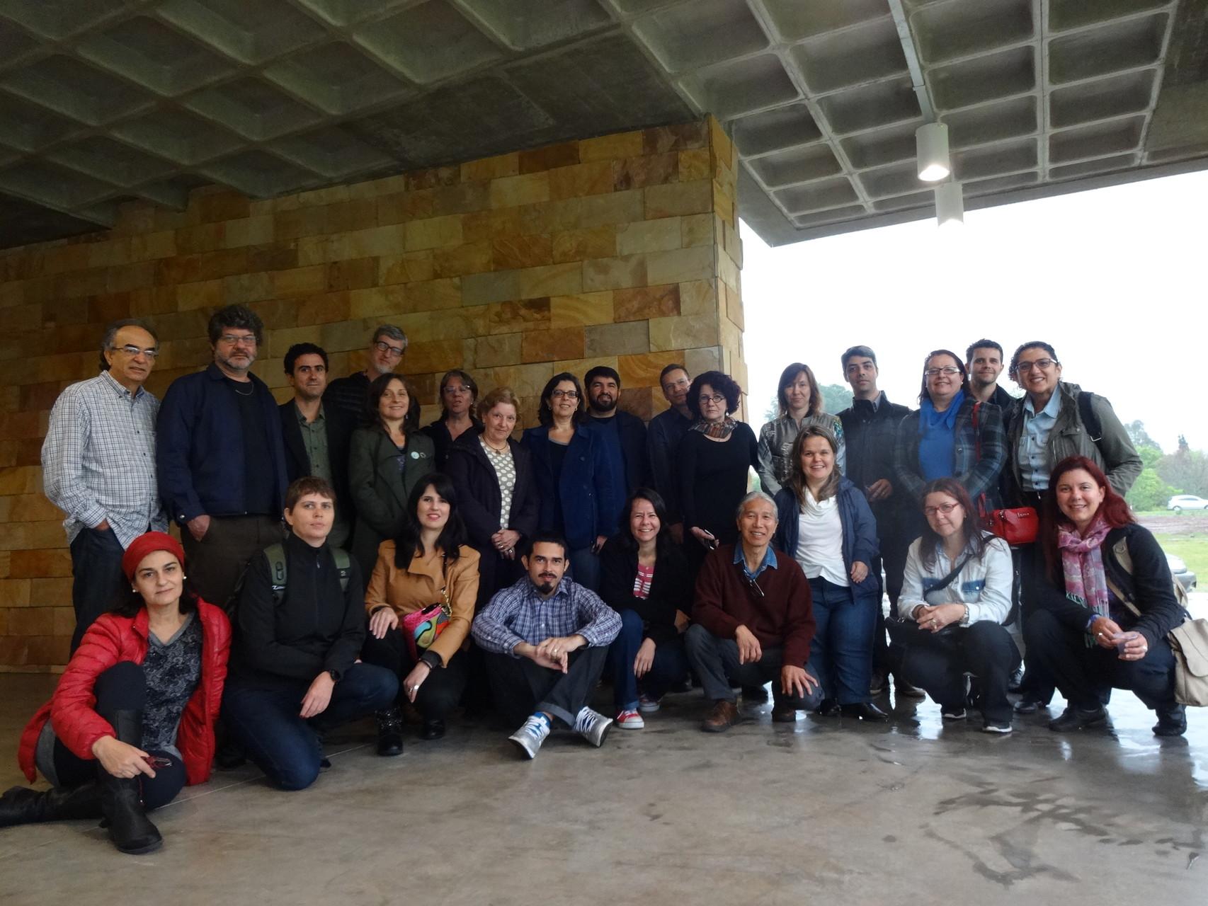 V Fórum de Coordenadores de Graduação e Pós-Graduação em Artes Visuais –  24º ANPAP - UFSM - 21-22/Set/2015 -  Santa Maria/RS