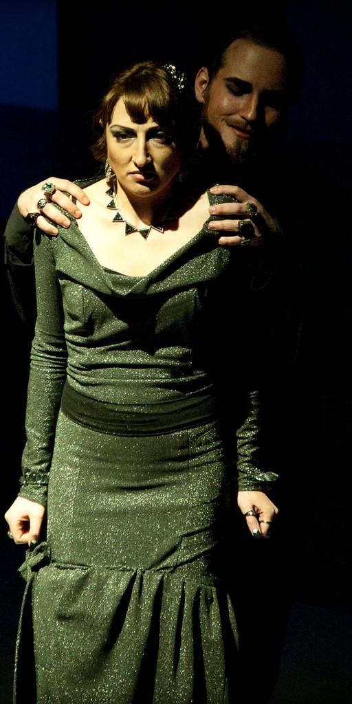 Jacklyn Martinez, Leslie Cserepy - Princess Ivona  - Université d'Ottawa - Photo Théâtre Marianne Duval