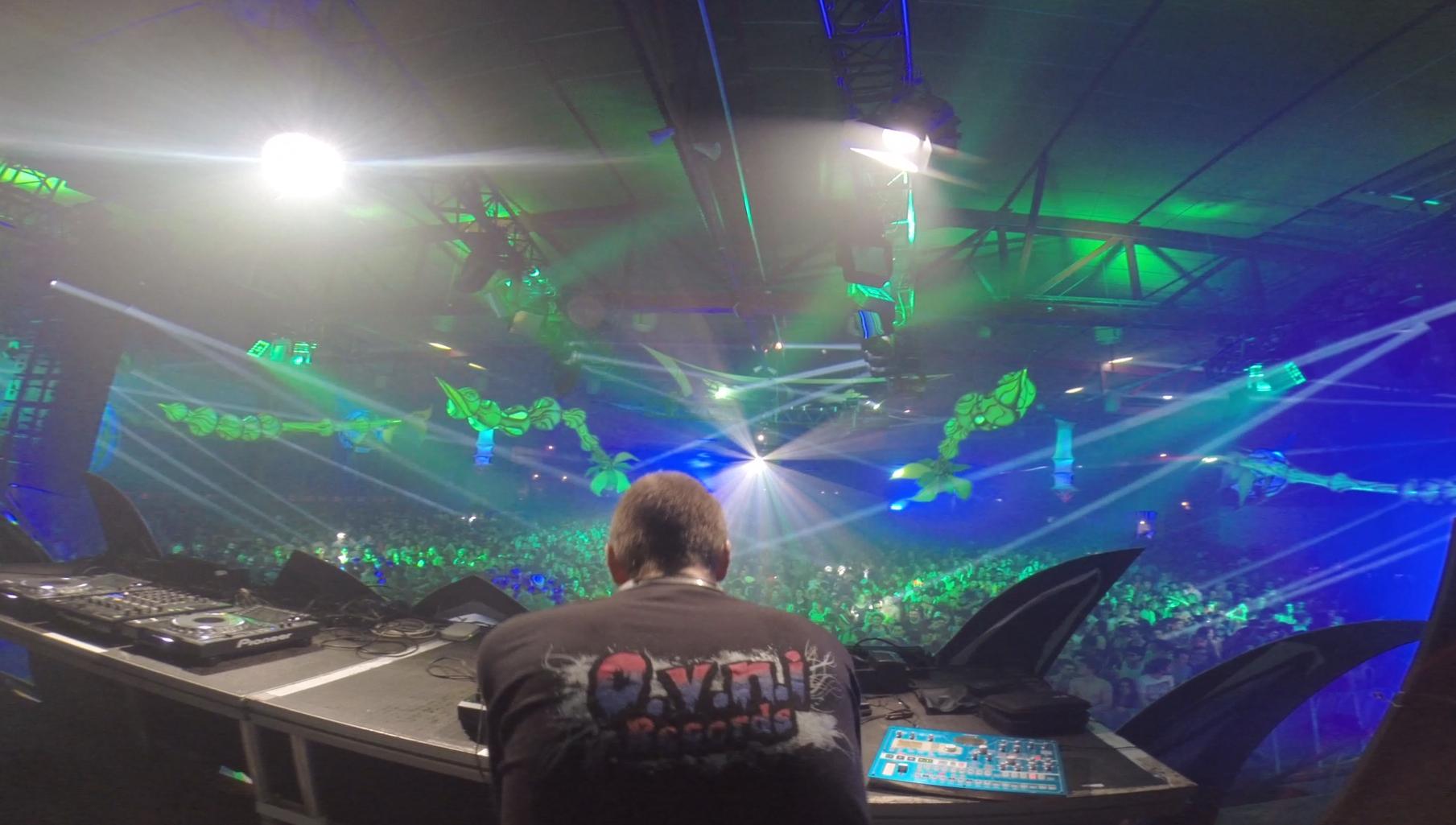 ANGRY LUNA LIVE @ WORLD TRANCE FESTIVAL III