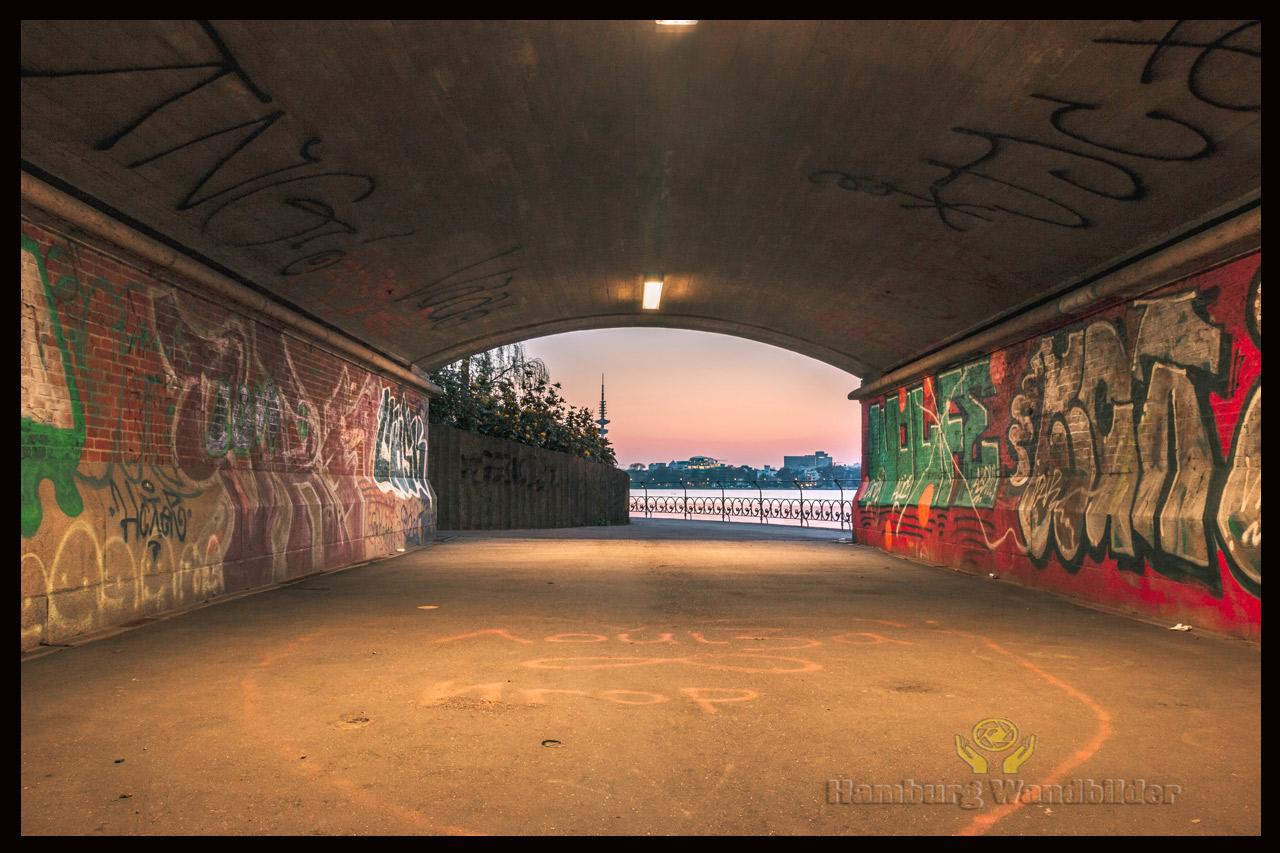 Tunnel   /  1069