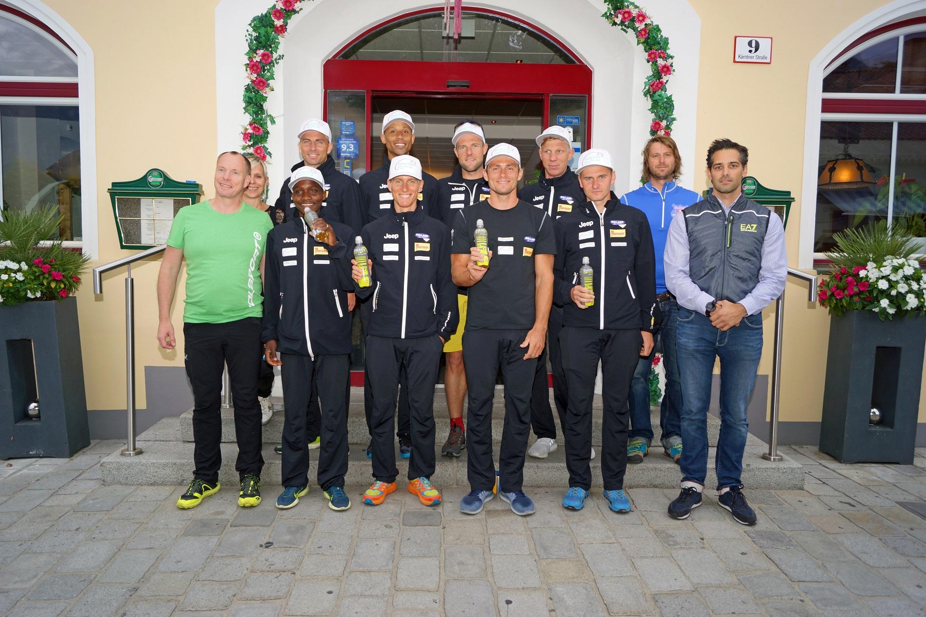 Unsere Athleten mit den Sponsoren. Danke für die großartige Unterstützung!