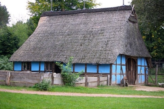 das Häuslingshaus wie es heute am Kiekebergmuseum steht