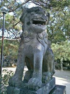 宮地嶽神社狛犬03(阿形)