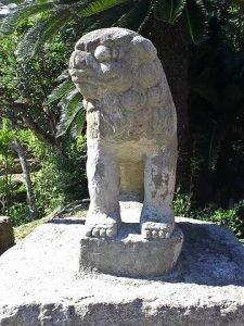 鵜戸の古狛犬