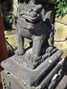 鵜戸稲荷神社狛犬(阿形)