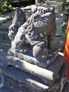 鵜戸稲荷神社狛犬(吽形)